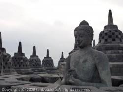 釈迦牟尼像