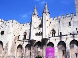 教皇庁宮殿