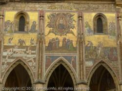 聖ヴィート大聖堂の外壁