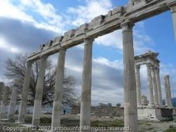 トラヤヌス神殿